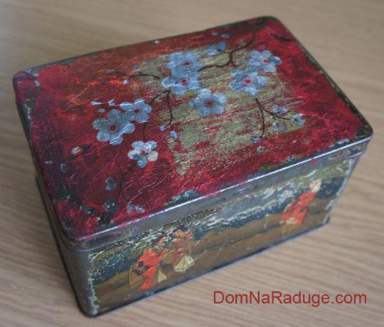 декупаж на старой коробке для чая