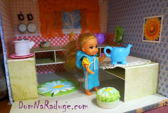 самодельный кукольный домик из картона - кухня