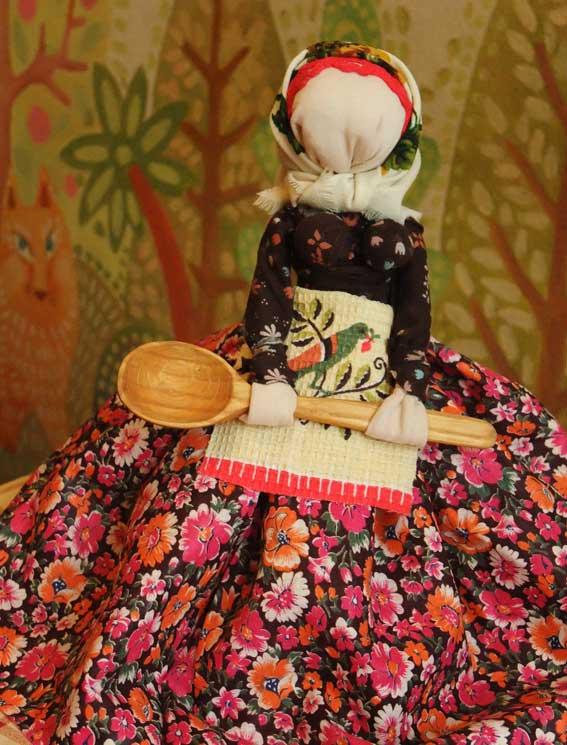 кукла маленькая Хозяюшка