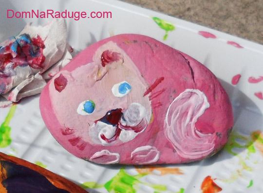 раскрашенные камушки - кошка