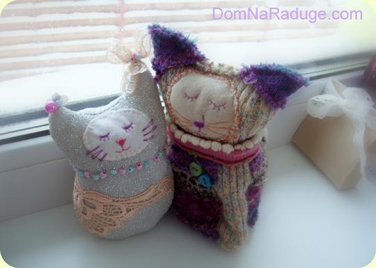 кошки - игрушки из носков и лоскутков
