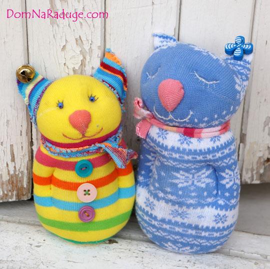 котики - игрушки из носков