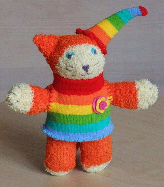 рыжий кот из носков