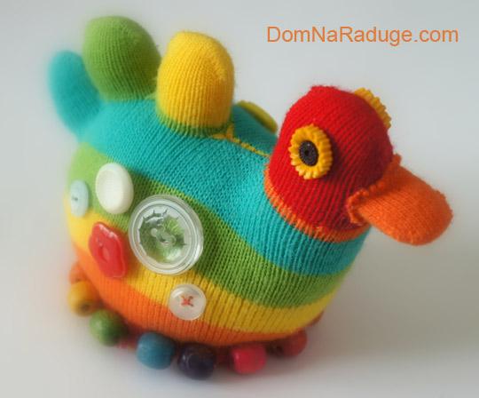 утка - игрушка из носка с пальчиками