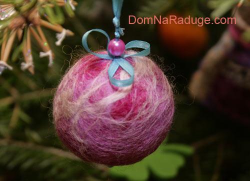 ёлочные шары, свалянные из шерсти