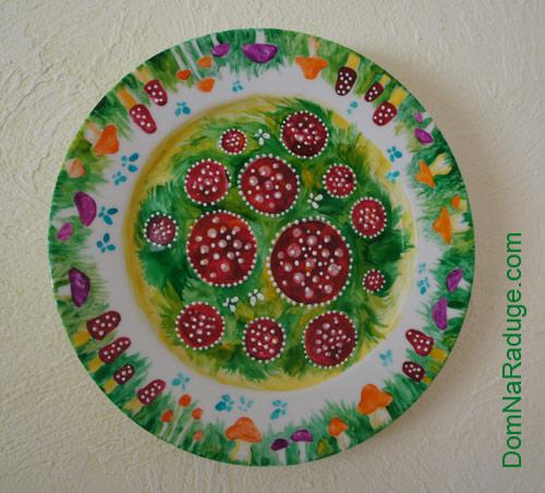 декоративная тарелка - мухоморы