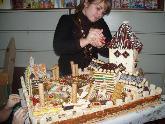 создание торта в виде города