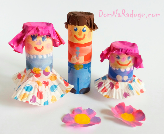 Игрушки из картонных втулок и бумажных стаканчиков - фигурки людей, семья