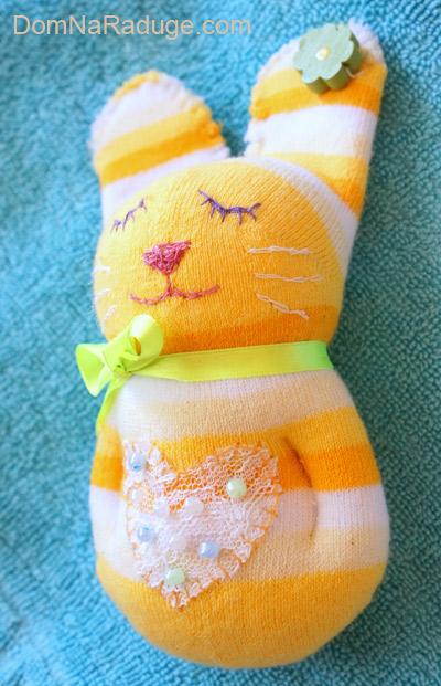 Зайчик из носков своими руками