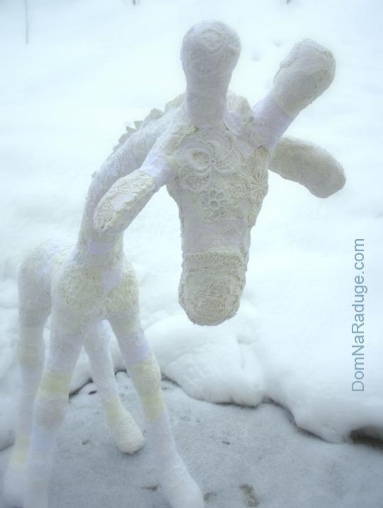 """белый жираф (""""папье-маше"""" из гипсовых бинтов и кружев)"""