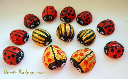 жуки из ореховой скорлупы, поделки с детьми